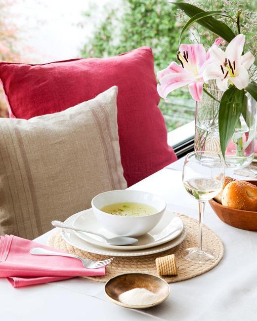 Modern Ideas for Kitchen Redesign Creating Bright ...