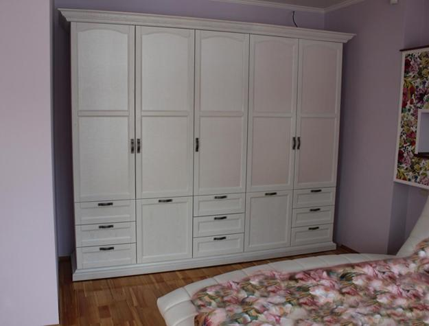 Space Efficient Bedroom Furniture: Space Saving Fitted Bedroom Furniture For Storage Creating