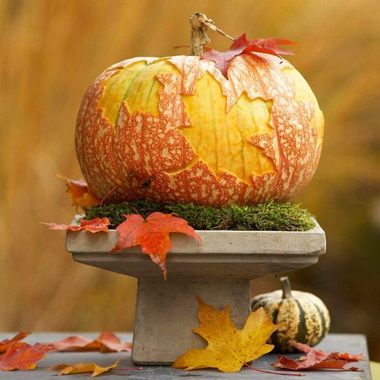 Creative fall table decorations and centerpieces with