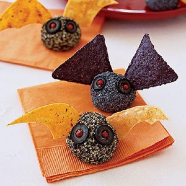 edible Halloween party table decorations and centerpieces