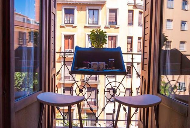 Balkonzept von rephorm connox balkongeländer tisch grey sekt
