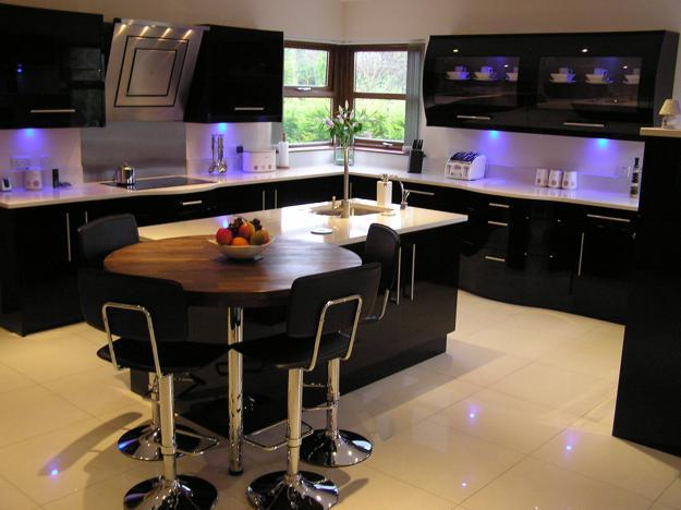 Black And White Decoraitng With Other Color Accents Modern Kitchen Interiors