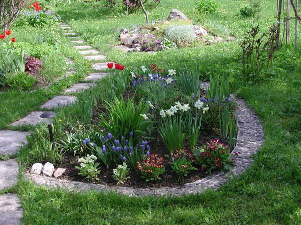 Landscaping Without Flower Beds : Beautiful flower beds adding bright centerpieces to