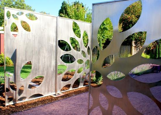 creative backyard ideas and metal yard decorations