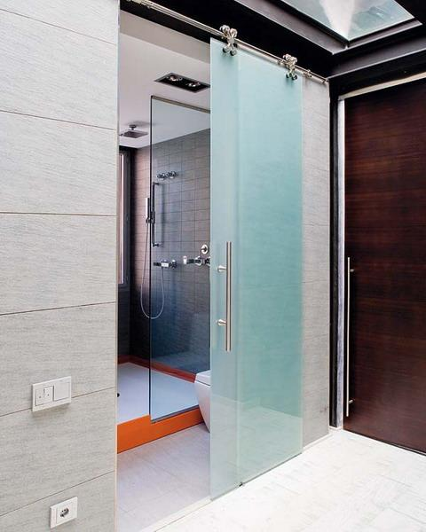 22 Space Saving Sliding Interior Doors For Spacious And
