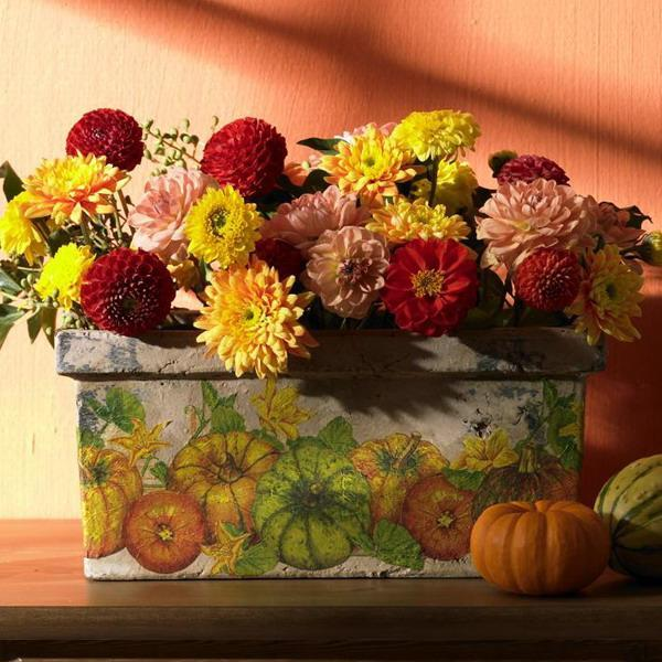 33 Beautiful Flower Beds Adding Bright Centerpieces To: 25 Beautiful Fall Decorations And Table Centerpieces Made