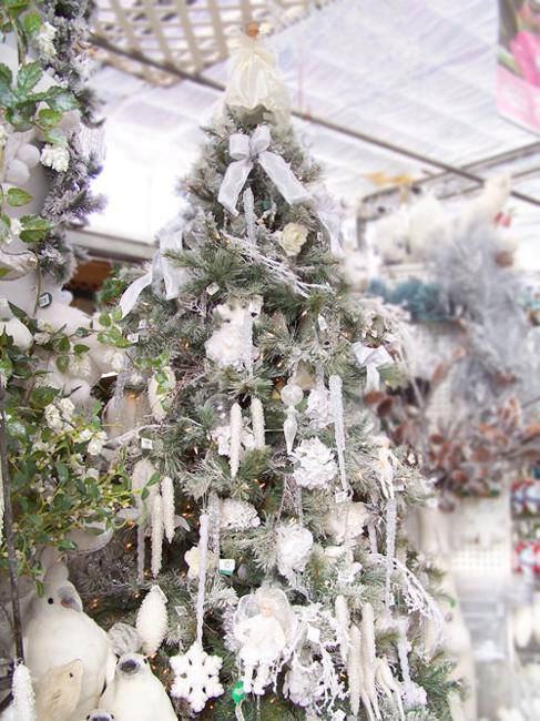 Black And White Christmas Tree Decorating Ideas