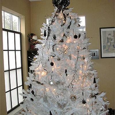 Gray Christmas Tree Decorations.Black And White Christmas Tree Decorating Ideas