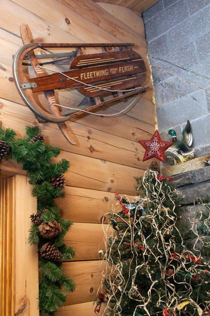 country christmas decorating with antiques and handmade christmas decorations - Christmas Decorating Ideas Rustic