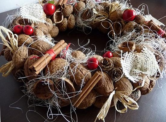 Christmas Wreath With Cinnamon Sticks