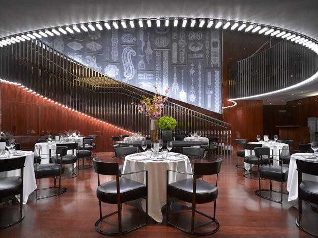 Modern interior design ideas blending italian style into luxury