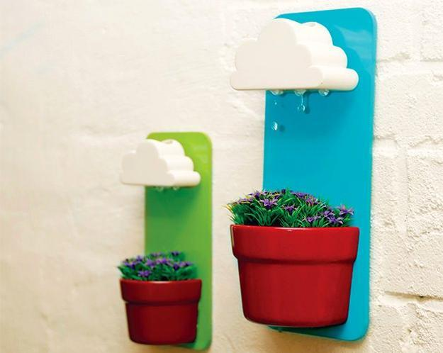 self watering wall mounted planters