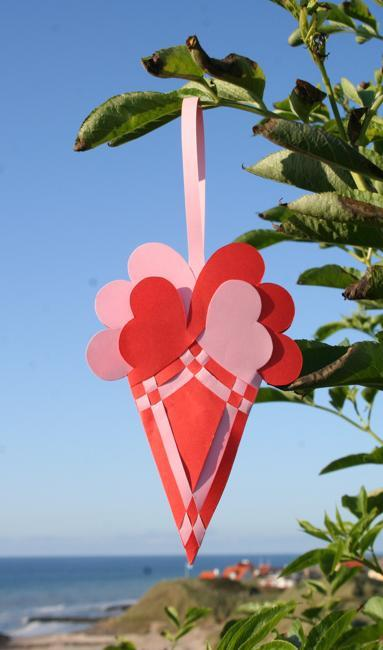 valentines day ideas, paper recycled crafts and eco gifts
