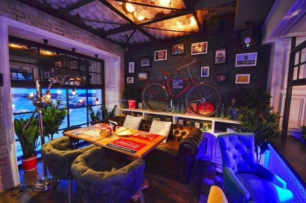 Eclectic Modern Interior Design Ideas Utilizing Reclaimed