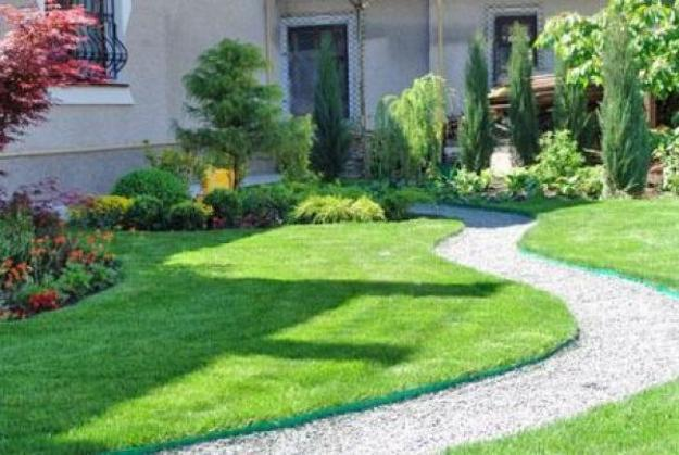 Perfect Green Lawns and Yard Landscaping Ideas in Spring ...