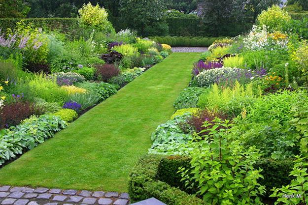 Perfect Green Lawns And Yard Landscaping Ideas In Spring