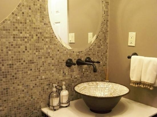 Beautiful Bathroom Sinks Decorated With Mosaic Tiles