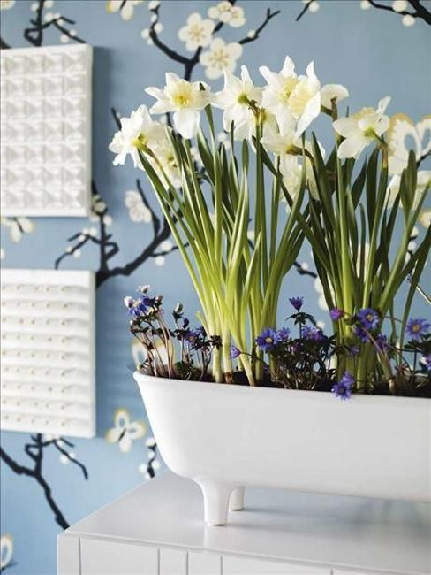 Green Ideas For Spring Decorating With Plants And Flowers