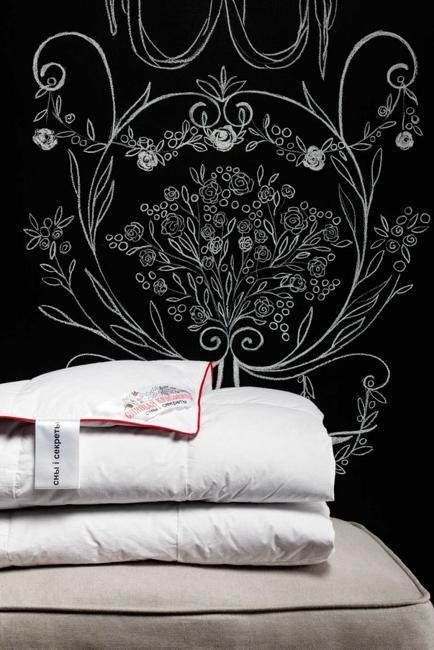 Creative Black And White Bedroom Decorating Ideas With Chalk