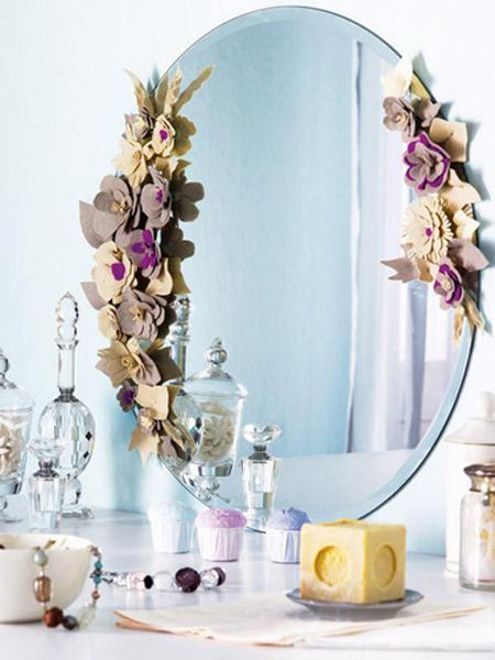 Recycling Felt Fabric Pieces For Flower Designs And Wall Mirror Decorating