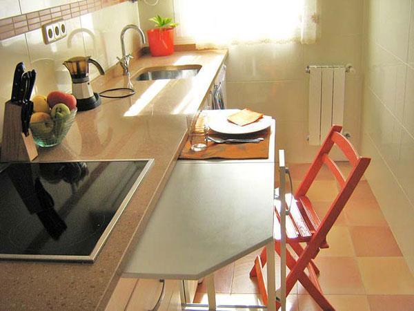 Small Kitchens And Space Saving Ideas To Create Ergonomic Modern Kitchen Design