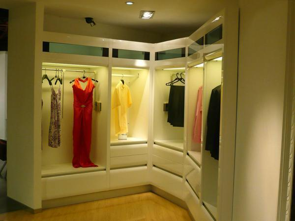 33 Walk In Closet Design Ideas To Find Solace In Master