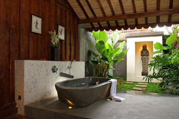 outdoor bathroom design