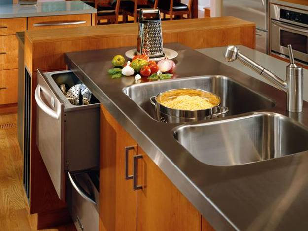 Stainless Steel Kitchen Countertop And Wooden Kitchen Cabinets