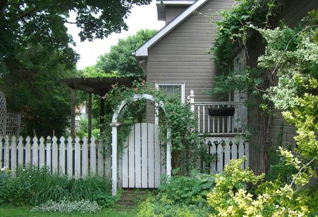 fences and backyard designs