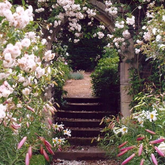 Romantic Garden Designs: Beatiful Garden Arches, Arbors And Pergolas Creating
