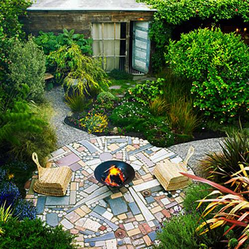Dive Into This Zen Pool House With Rustic Flair: 15 Small Backyard Designs Efficiently Using Small Spaces