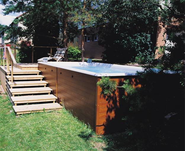 22 Outdoor Living Spaces With Jacuzzi Tubs And Beautiful