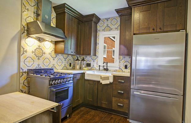 Modern Wallpaper For Small Kitchens Beautiful Kitchen Design And Decor Ideas