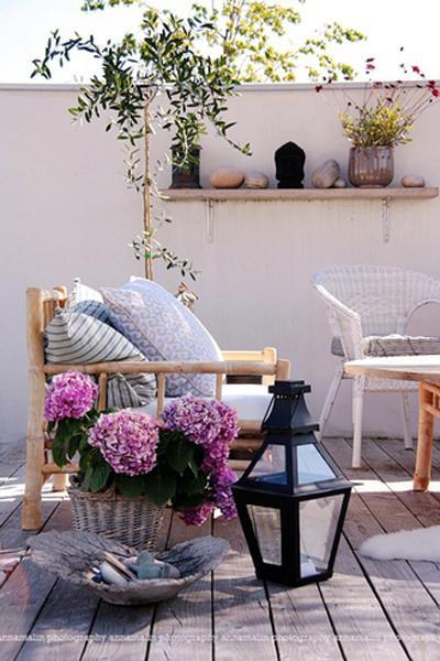 design and decor ideas for outdoor seating areas
