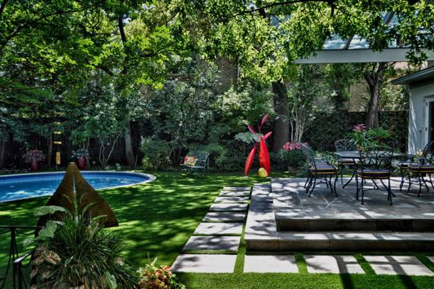 Beautiful Garden Design And Backyard Lndscaping With Colorful Sofa