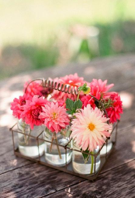 spring home decorating with flowers, table centerpieces