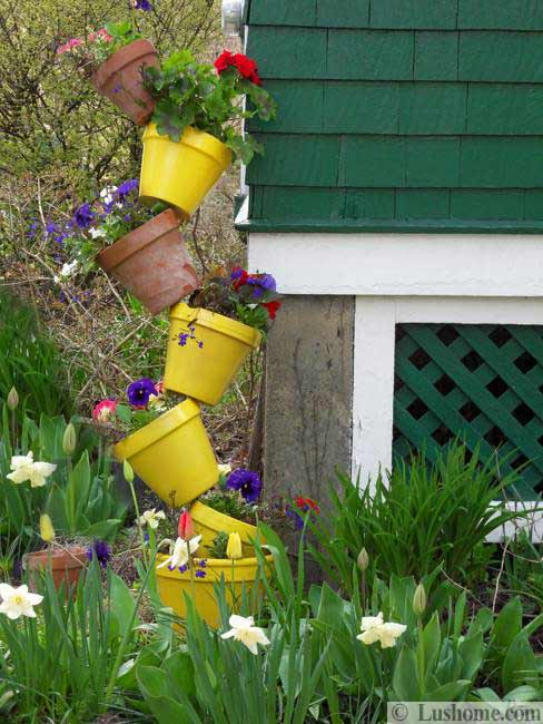 20 Spring Yard Landscaping Ideas and Beautiful Garden ... on Backyard Garden Decor id=51460