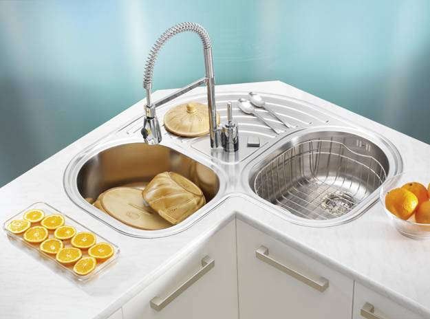 Stainless Steel Kitchen Sinks and Modern Faucets, Functional Kitchen ...