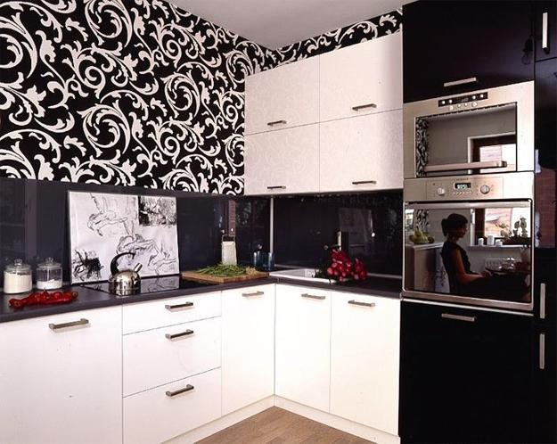 Black And White Kitchen Cabinets Ideas on black and white traditional kitchens, kitchen paint color ideas, black and white kitchen decorating ideas,