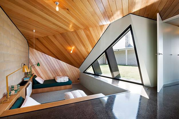 25 Triangular Window Designs Customizing Modern House