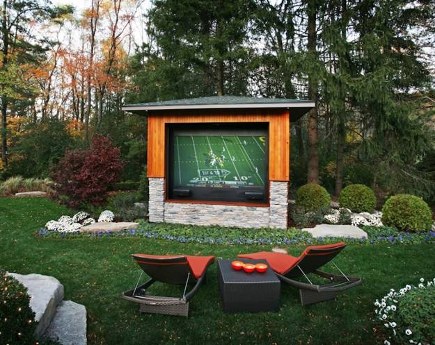 Summer home theater design idea, chic backyard ideas - 22 Modern Outdoor Seating Areas, 11 Backyard Ideas To Design Chic