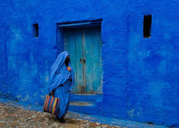 Deep And Light Blue Colors Moroccan Architecture Painting Ideas