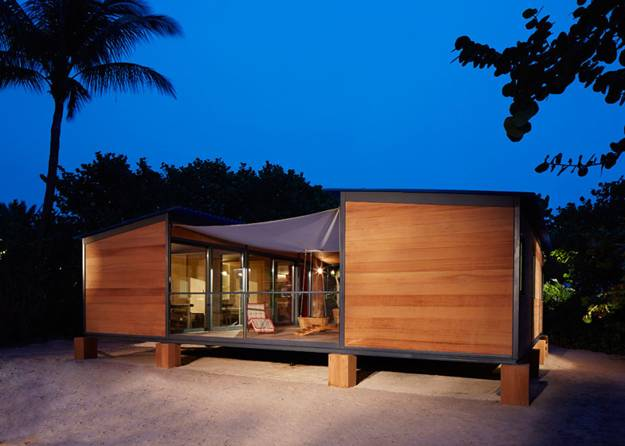 Tiny Beach Home Designs: Wooden Interior Design And Decor Of Small Beach House In