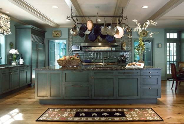Country Kitchen Design Ideas And Decorating With Rustic Wood And Metal  Chandelier