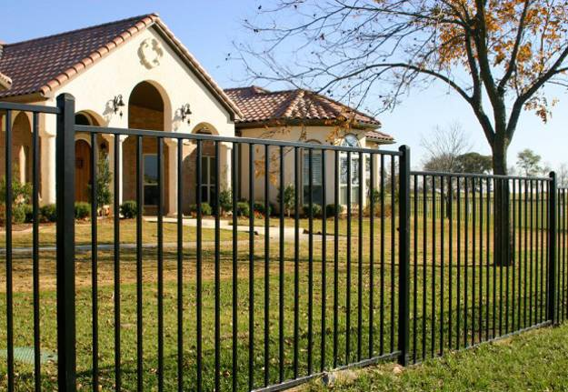Home Design Gate Ideas: Design Ideas For Your Fence, Front Yard And Backyard Designs