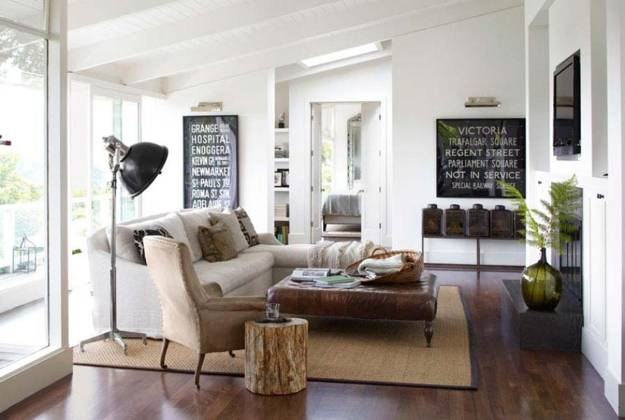 Modern Interior Design With Vintage Furniture And Decor Accessories