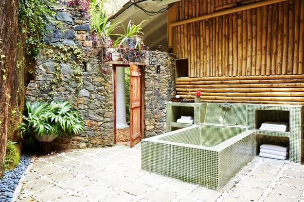 20 Gorgeous Outdoor Bathroom Design Ideas