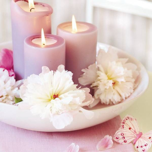 Floral candles centerpieces with peony flowers