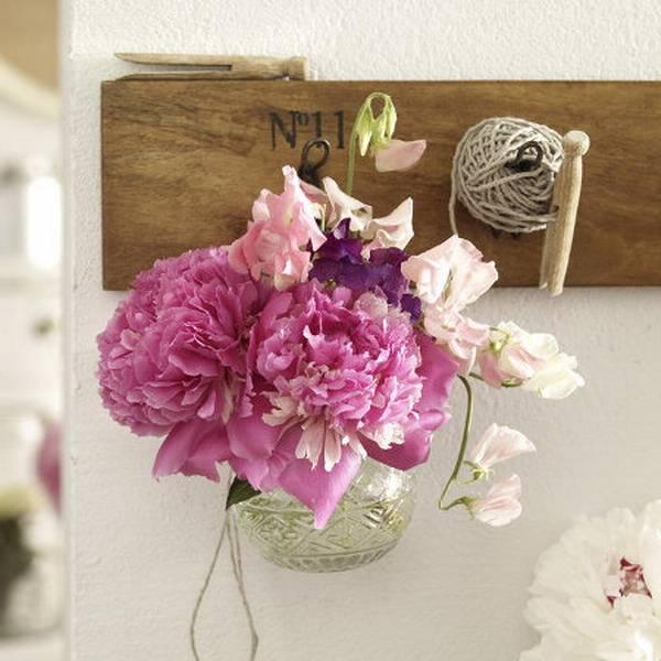 20 Beautiful Table Centerpiece Ideas Bringing Romantic Peonies into ...