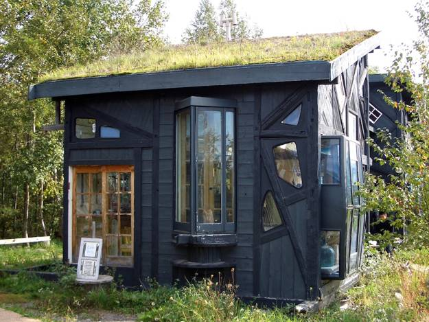 20 Ideas To Recycle Old Wood Windows For Green Building